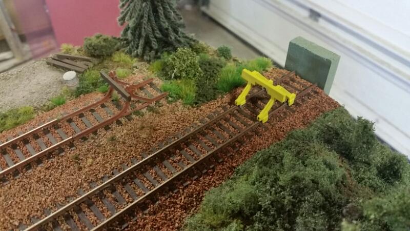 En rostbrun & en gul stoppbock på min modul
