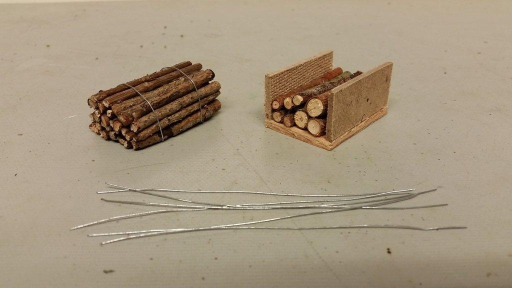 Buntar med timmer under tillverkning